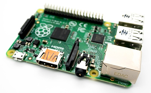 Raspberry Pi used to interface to club weather station and upload images to Website.